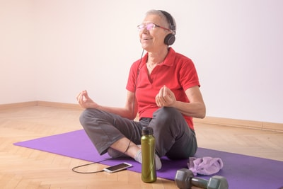 Exercise using music is good for your mind as well as the body. Silver Creek Retirement home.